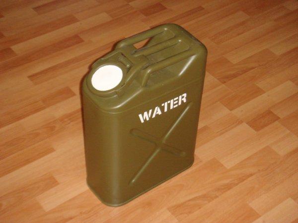 Restauration d'un jerrycan à eau US - CAVALIER 44
