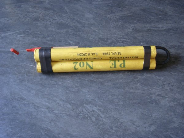 TNT - P.E N°2 - BRITISH ROYAL - CORPS OF ENGINEERS .....
