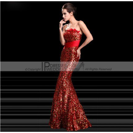 The gorgeous mermaid dress and red lace cheongsam