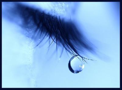 -Tu pleure ? - Nan j'teste si mon mascara est  waterproof -_-'