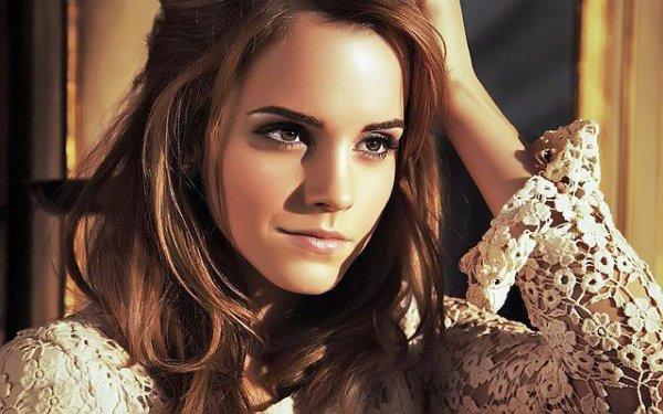 «Elle est le genre de fille qui peut avoir mal à en crever mais qui te regardera toujours avec un sourire scotché au visage.» - Emma Watson