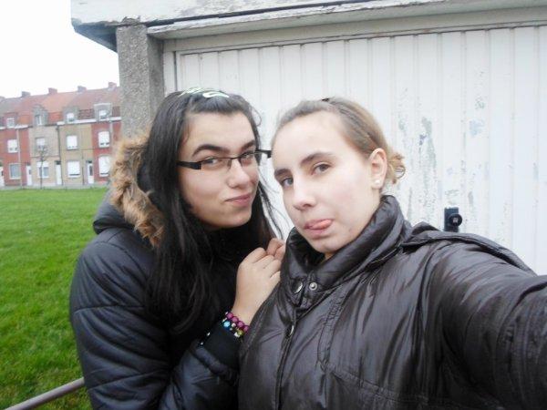 ~MOi & MA MEiLLEURE AMiE <3 ~