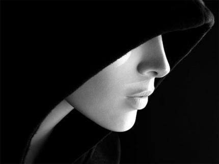 « Le Bien et le Mal sont deux concepts théoriquement opposés mais qui ne peuvent se passer l'un de l'autre ... C'est pourquoi les contraires sont comme des aimants : selon l'approche, ils s'attirent ou se repoussent »