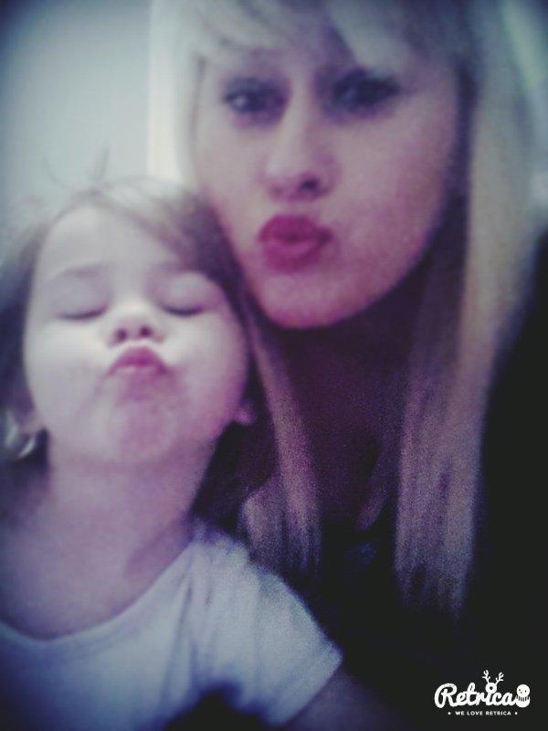 Ma vie ; ma fille je t aime plus que ma propre vie 💋💕❤