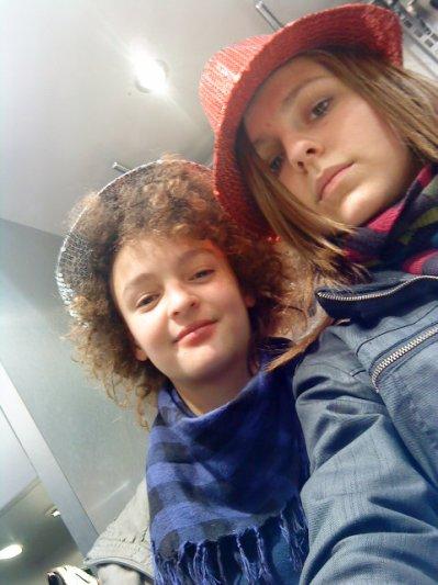 FriiiiZoOoO and MeEeEe =)