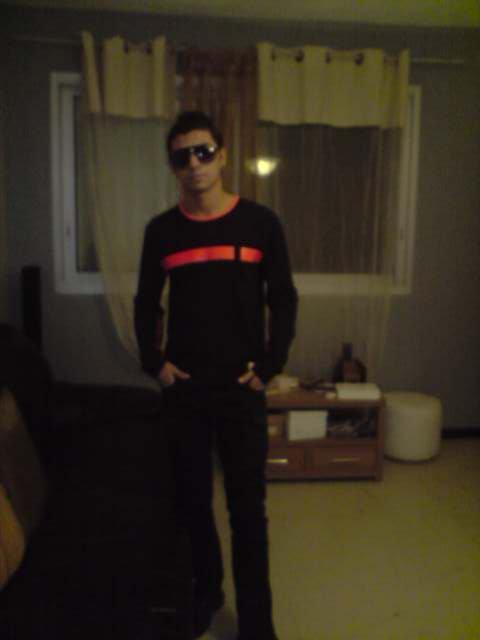 TOUJOURS MOI 2010
