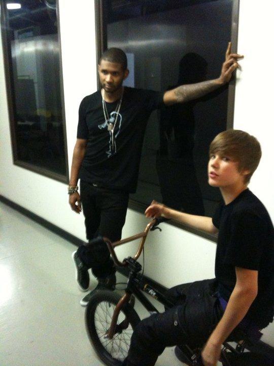 Petite interview d'Usher sur sa rencontre avec Justin Bieber