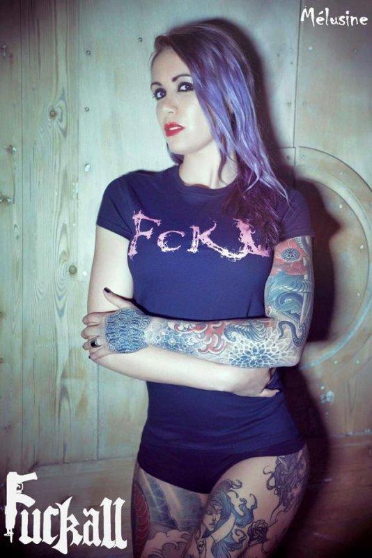 Mélusine en mode FCKL (FUCKALL)