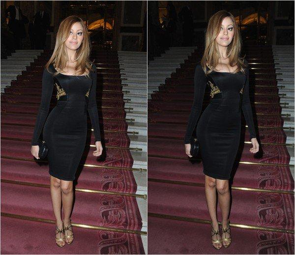 Zahia Dehar à la maison de Versace lors de la Fashion Week Parisienne à Paris le 19 janvier 2014.