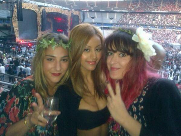 Super soirée hier au Stade de France !! #RollingStones - Zahia via Twitter !