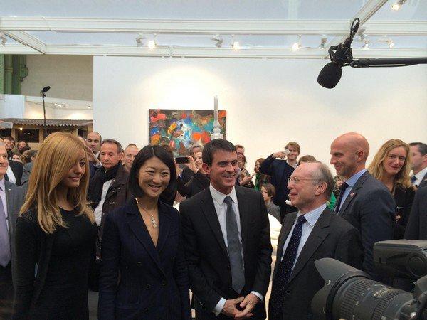 Après midi à la Foire Internationale d'Art Contemporain avec @manuelvalls et @fleurpellerin ! #Zahia #Fiac
