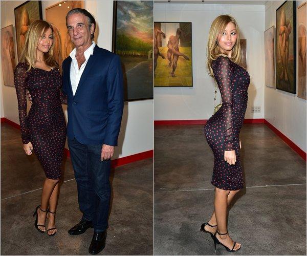 Zahia lors du vernissage de l'exposition du peintre Alberto Bertti à Paris, le 08 juin 2015.