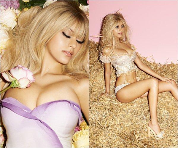 Découvrez de magnifique photos de Zahia dans le magazine pour V Magazine en 2011.