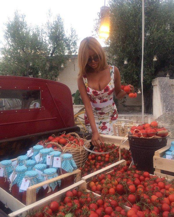 Voici mon nouveau travail 😉 Je vous assure mes tomates sont les meilleures ! 🍅