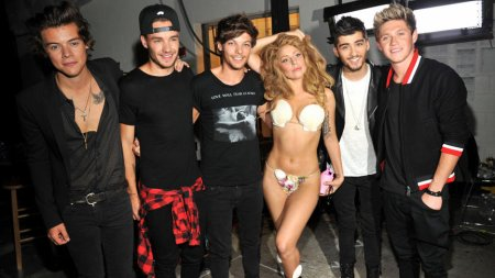 LADY GAGA ET LES ONE DIRECTION - VMA 2013. ♥