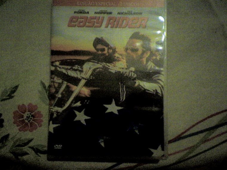at this right moment i´m whatching to easy rider de dennis hooper