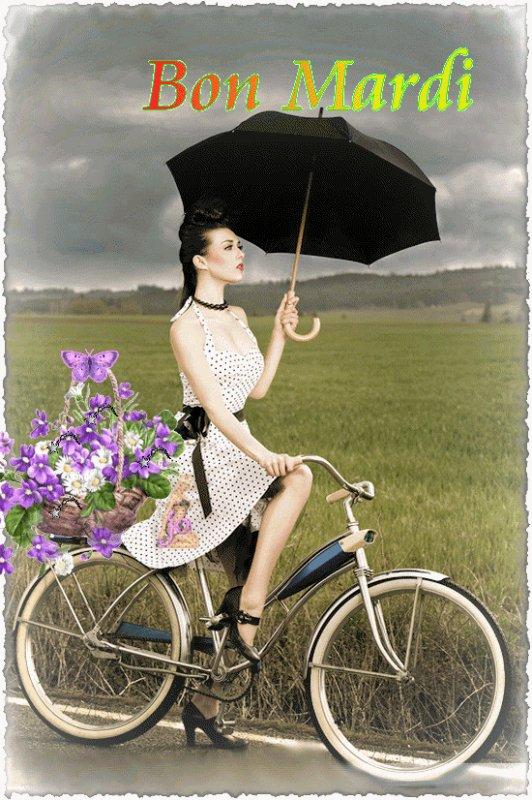 CETTE IMAGE EST FORT BIEN ADAPTEE AU TPS QUE NOUS SUBISSONS EN CE MOMENT GRR....ET LE PARAPLUIE EST DE RIGUEUR...! Malgré ce tps maussade, je vous souhaite un bon mardi...avec le soleil dans votre coeur!!! BISOUSS...