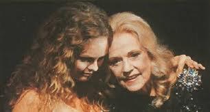 Vanessa Paradis & Jeanne Moreau - Le Tourbillon de la Vie