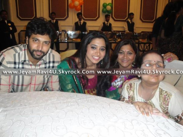 NEW PIC OF JEYAM RAVI & AARTI