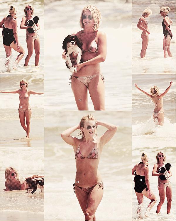 ~15/08/2012~. Julianne a été vu a la plage de NYC avec sa mère .  .