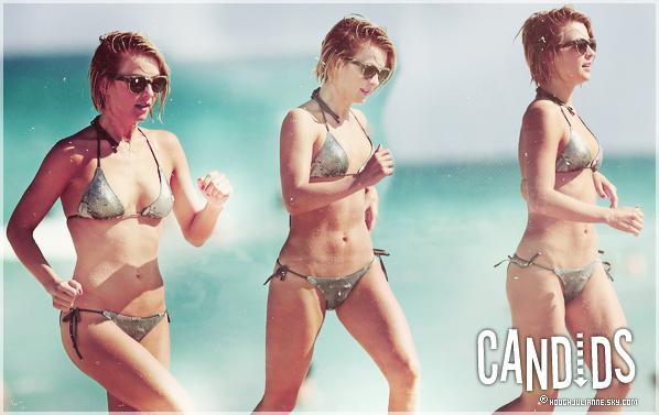 ~26/04/2013~. Julianne a été vu à la plage de Miami  avec Nina Dobrev et une ami.  .