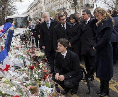Les dirigeants étrangers rendent hommage aux victimes