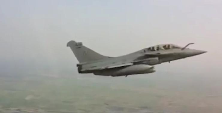 Un avion d'affaires qui comptait se poser au Bourget a été intercepté par un Rafale de l'armée de l'air ce  matin