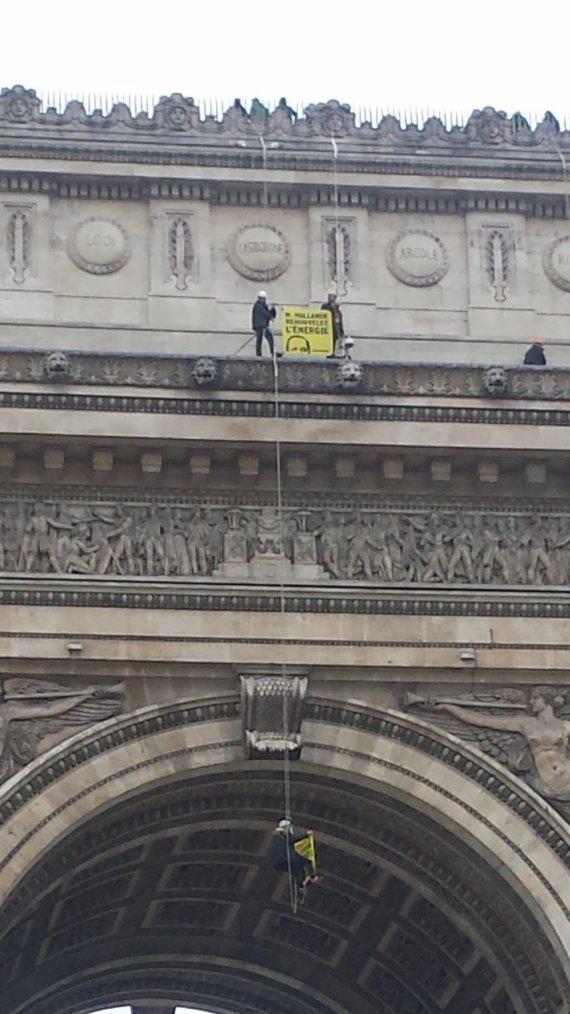 Des militants de Greenpeace ont été arrêtés vendredi