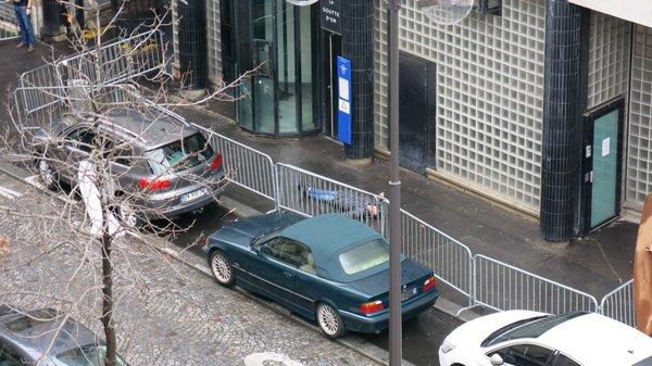 Un homme abattu devant un commissariat de police 18 ème de Paris