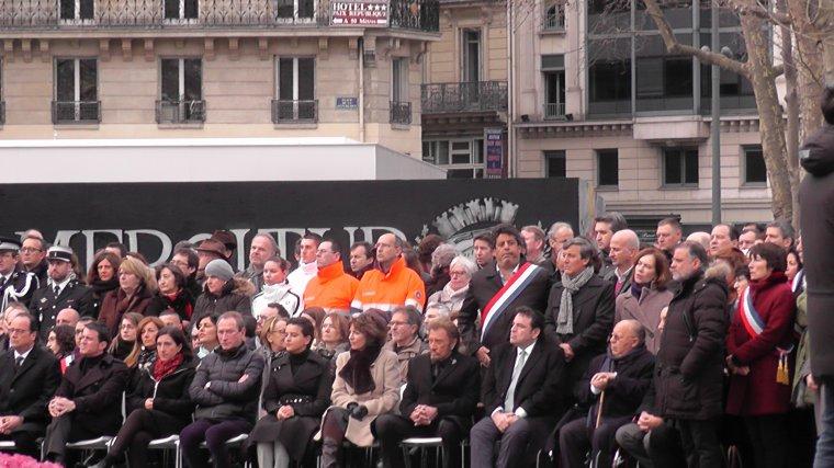 Une cérémonie d'hommage aux victimes des attentats