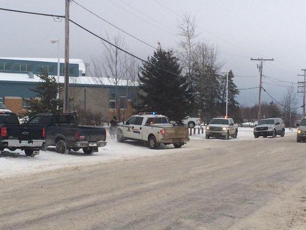 Quatre morts et plusieurs blessés lors d'une fusillade dans une école au Canada