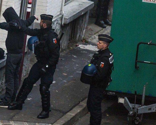 Amnesty dénonce les «dérives» sur l'état d'urgence