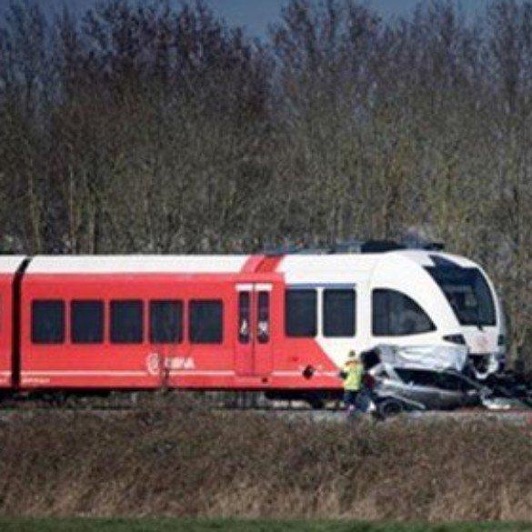 Pays-Bas: une collision à un passage à niveau a fait deux morts