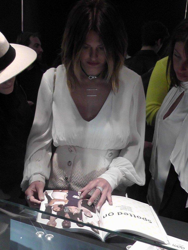 Caroline Receveur, égérie de la marque de bijoux APM
