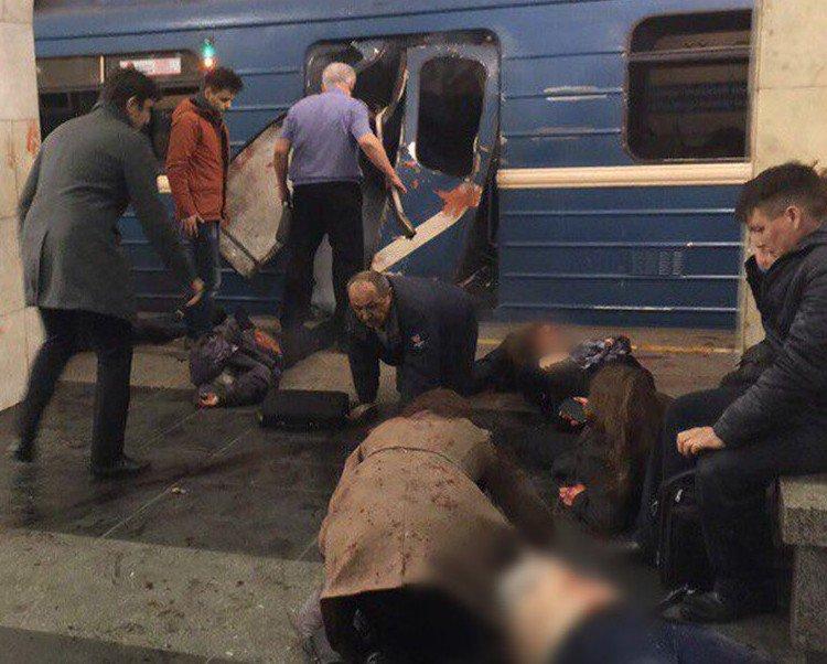 Une explosion dans le métro de Saint-Petersbourg, une dizaine de morts et d'une vingtaine de blessés