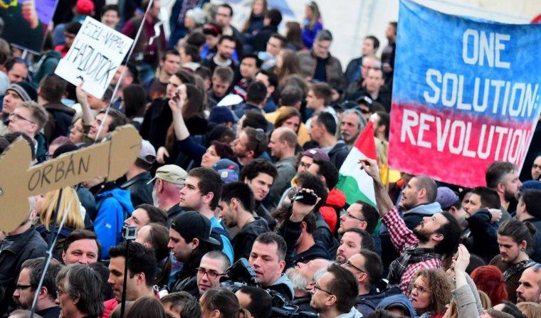 Hongrie: nouvelle manifestation contre le gouvernement  à  Budapest