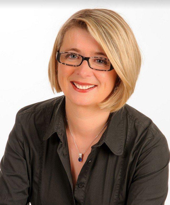 PRÉSIDENTIELLE FRANÇAISE: Corinne Erhel, députée socialiste, décéde en plein meeting  pro-Macron