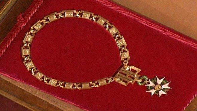 Emmanuel Macron va porter le grand collier de la Légion d'honneur demain
