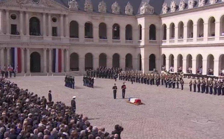 Simone Veil deviendra la cinquième femme à reposer au Panthéon avec son époux