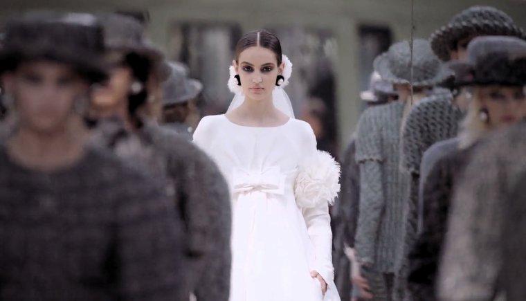 """Haute couture 2017: Chanel célèbre Paris,""""Karl Lagerfeld """" est amoureux de Paris"""