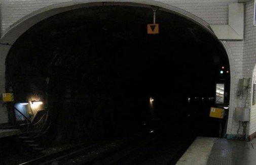 Paris: une vingtaine de stations de métro inondées le dimanche soir