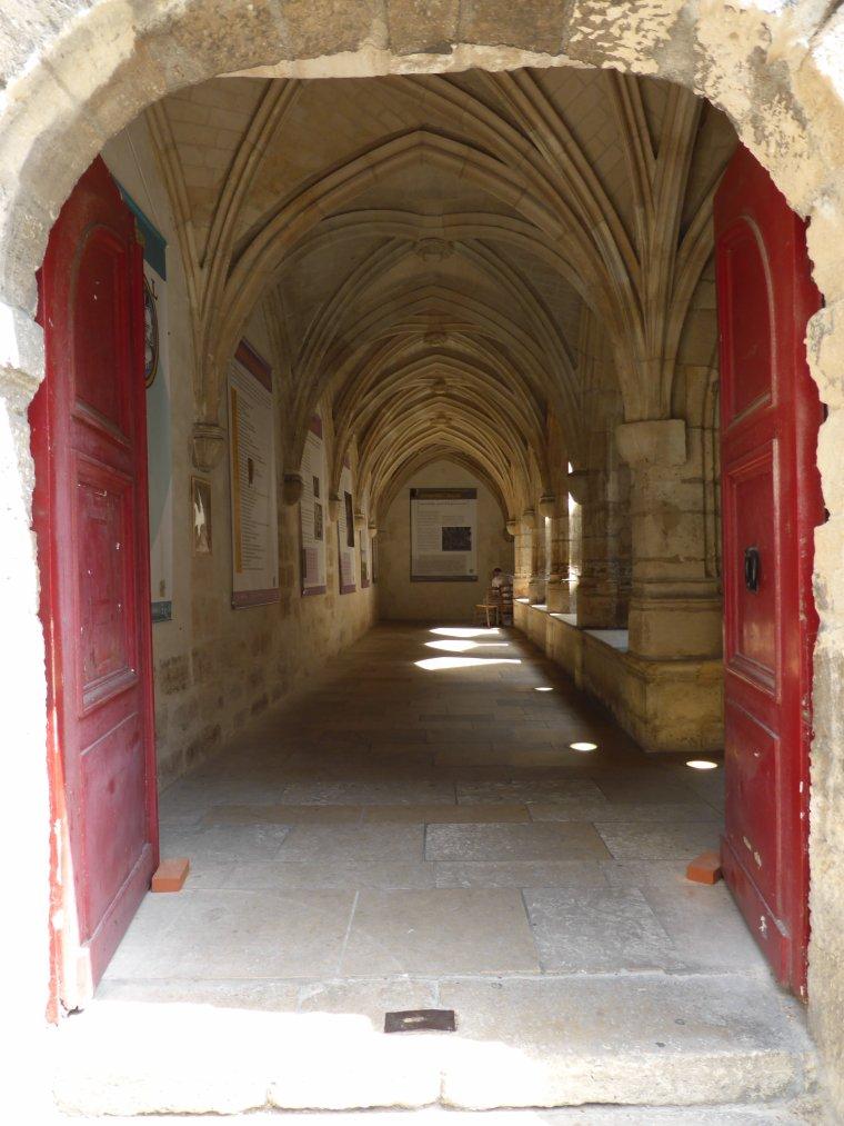 Vestiges du Moyen Age à Paris n°1: le Cloître des Billettes