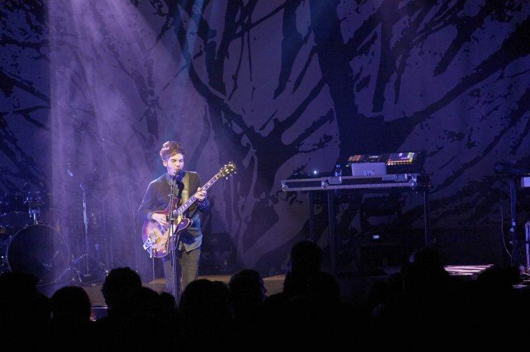 Tiwayo s'est produit en concert en première partie de Naâman au Plan à Ris-Orangis en Essonne