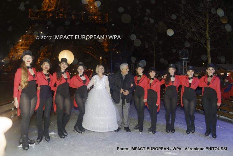 Inauguration du Marché de Noël du Champs de Mars en présence d'Enrico Macias