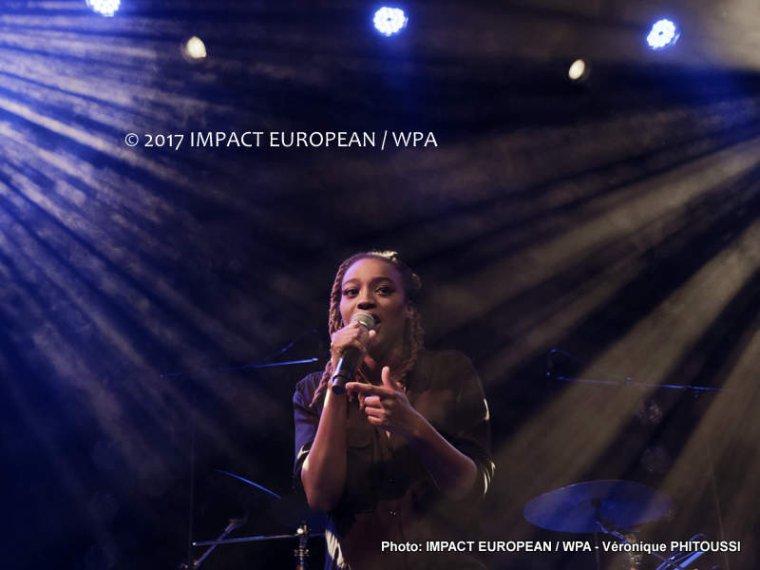 ATHEENA s'est produite en concert au PLAN en première partie de KEBLACK à Ris-Orangis en Essonne le 16 décembre 2017