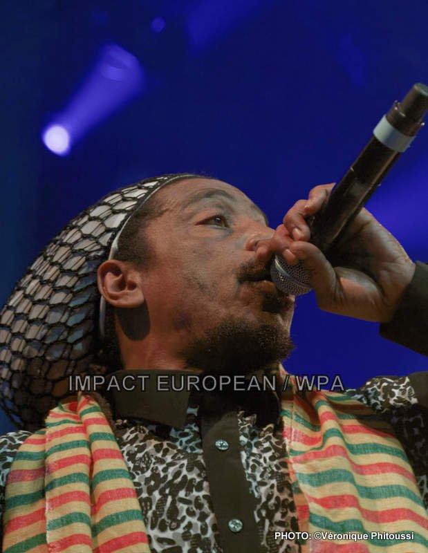 Earl Sixteen s'est produit en concert accompagné par les Soothsayers au PLAN