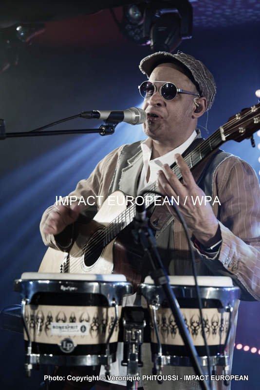 Raul Midón s'est produit en concert au Rack'AM