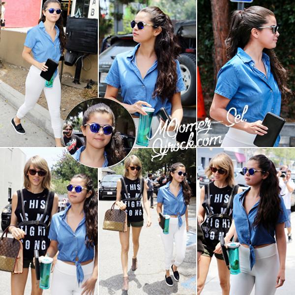Out & About with T. Swift : Selena a été vu se rendant au spa avec sa meilleure amie Tay Swizzle, ça faisait longtemps ! Elle portait une tenue toute simple que j'aime pas trop ... J'aime bien sa coiffure quoi que je la préfère avec les cheveux détachés.