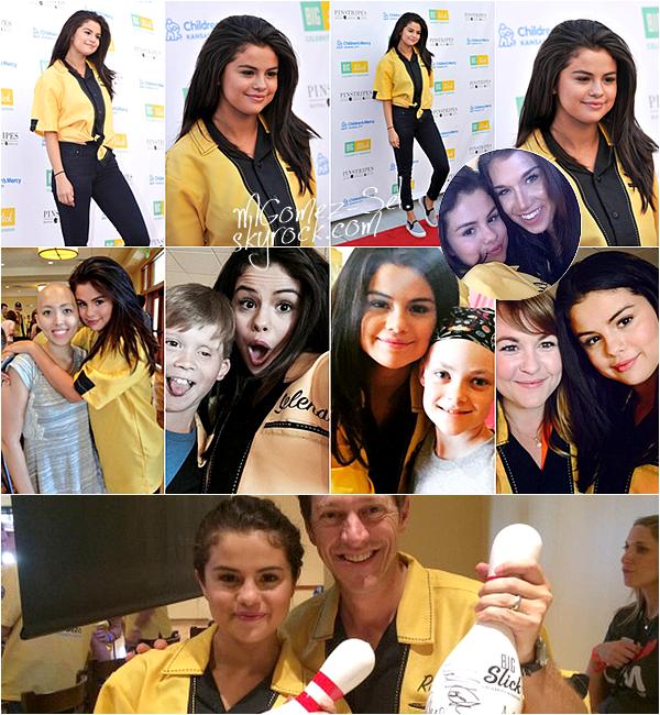 Appearances : Selena a participé a un match de baseball pour un événement caritatif pour soutenir les enfants atteint de cancer d'un l'hôpital de Kansas City le 19 Juin 2015.