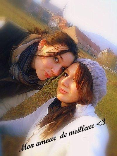 Pour moi la définition de l'amitié c'est elle & moi ♥